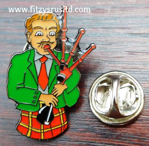 Piper Lapel Pin Badge Bagpipes Pipes Scottish Scotland Bagpipe Tartan Kilt - New